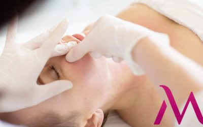 Odmładzający masaż twarzy – czego możesz się po nim spodziewać
